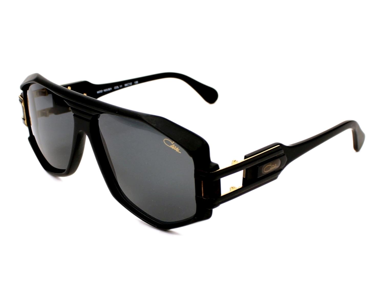 lunettes de soleil cazal 163 301 11 noir avec des verres gris. Black Bedroom Furniture Sets. Home Design Ideas