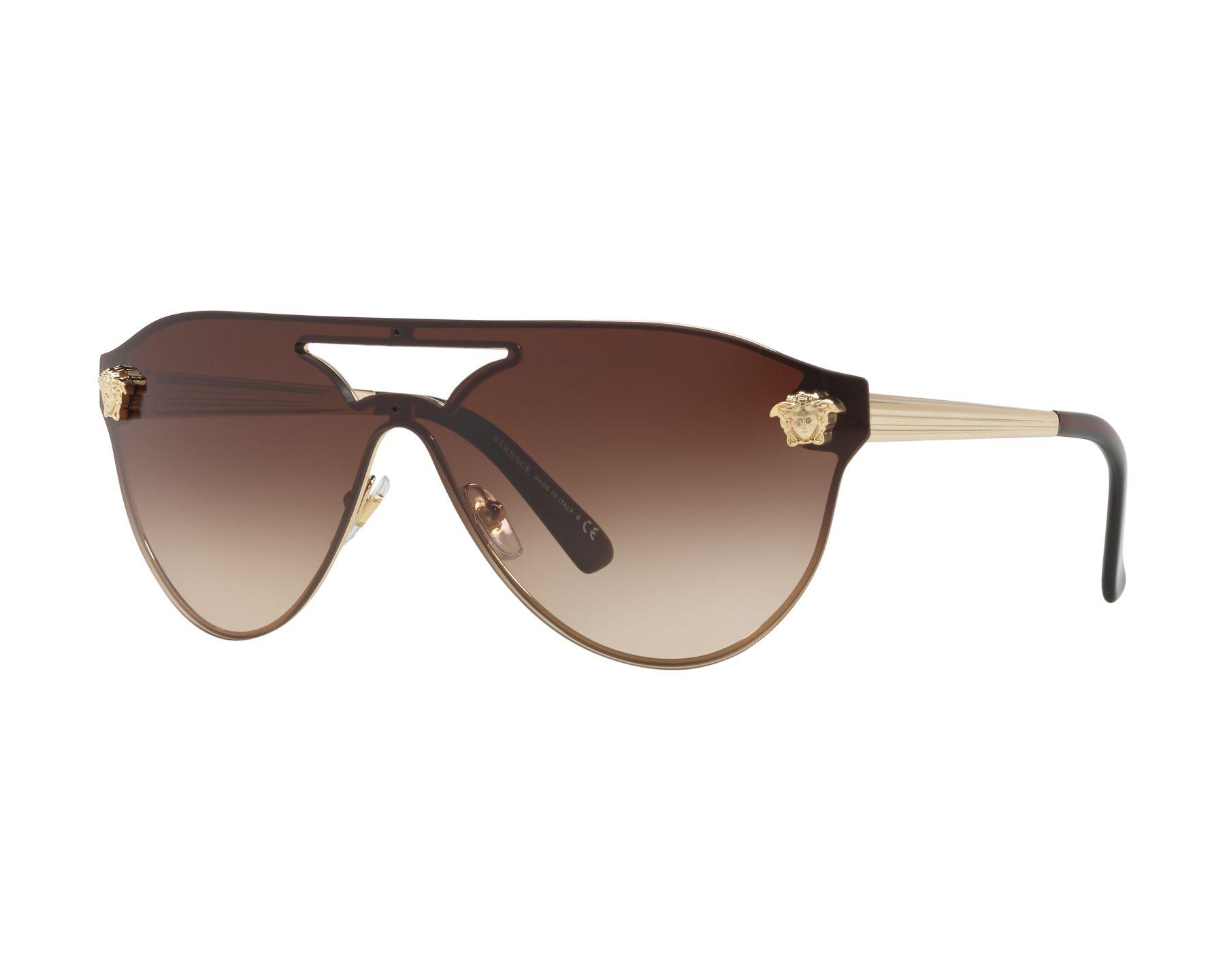lunettes de soleil versace ve 2161 125213 or avec des verres marron. Black Bedroom Furniture Sets. Home Design Ideas